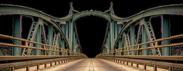 most s nerezovým zábradlím